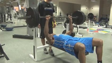 dwight howard bench press dwight howard benches 365 pounds stack