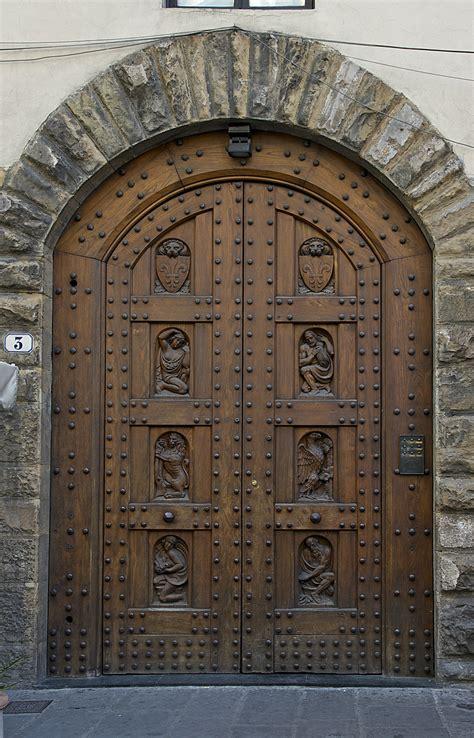 Wooden Door file wooden door florence jpg wikimedia commons