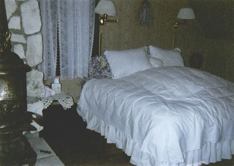 Bed In Living Room by Do You Believe In Ghosts Real Ghost Stories From Around