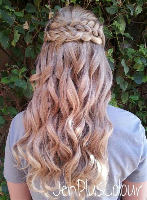 hair down hairstyles pinterest half up half down braided hairstyle blushing bride