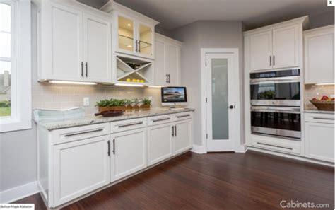 Alabaster Kitchen Cabinets Quartz Master White Aran Or Alaskan White With Sw Alabaster Cabinets