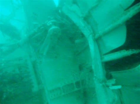 airasia near me airasia flight 8501 s tail section found by divers in java