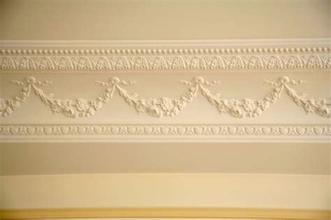 Moulure De Plafond 5370 by Pose De Moulure Au Plafond