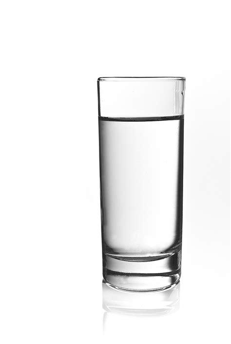 Ein Glas Wasser Foto & Bild   experimente, wasser