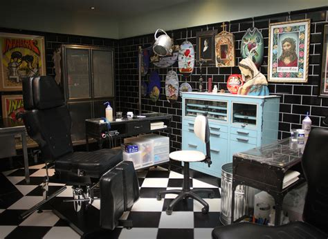 Family Tattoo Parlor | the family business tattoo parlour open studio clink