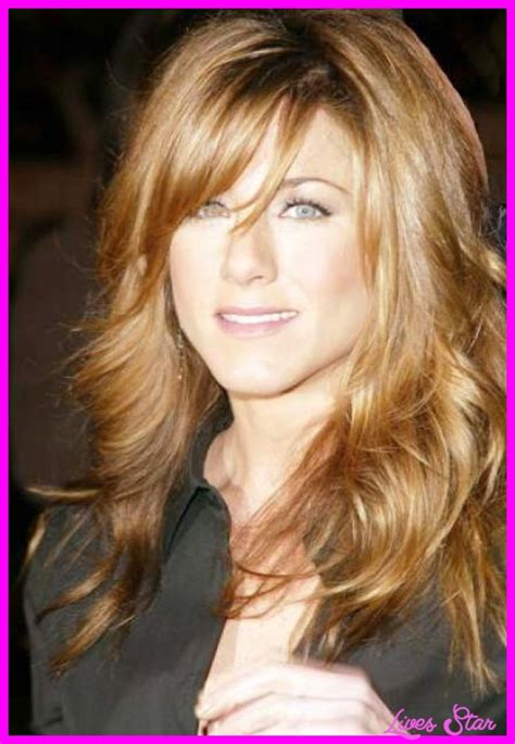 Hairstyles With Side Bangs by Haircut With Layers And Side Swept Bangs Livesstar