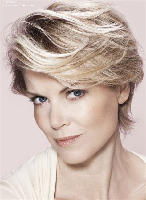 spiky shoulder length hairstyles for spiky hairstyles for medium length hair images