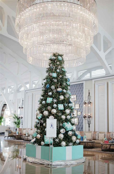 tiffany and co christmas tree at the clifford pier