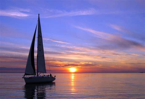 Late Sunset Sail Boat Sunset Sunset Sailing Tour Croatia Cruises Tours