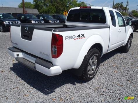 white nissan frontier avalanche white 2012 nissan frontier pro 4x king cab 4x4