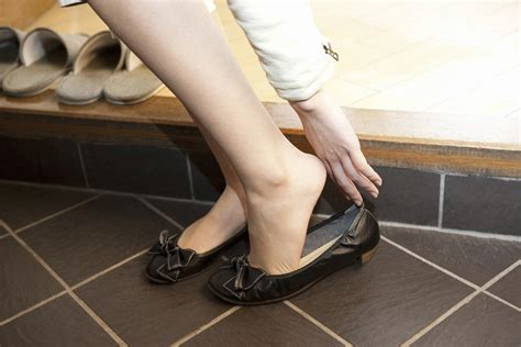 take off shoes in house article watch your steps 4 main situations of taking off your shoes in japan