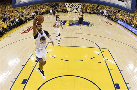 leandro barbosa takes advantage of time in nba finals