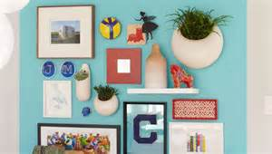 learn how to create and hang a gallery wall