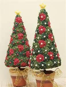arboles de navidad de tela 1000 ideas sobre adornos de navidad de tela en