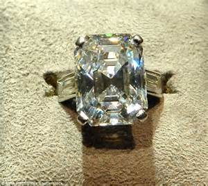 world s most iconic engagement rings from jackie kennedy