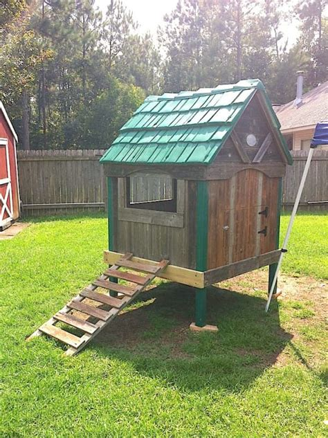 Diy Backyard Chicken Coop by He Was Going To Throw Away His Rotting Play Set