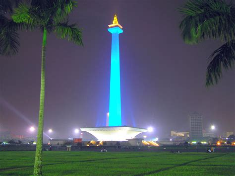 Monumen Nasional Monumen Keagungan Bangsa Indonesia file monumen nasional jakarta jpg wikimedia commons