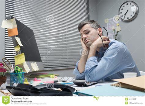 employe de bureau employ 233 de bureau d 233 prim 233 224 bureau photo stock image