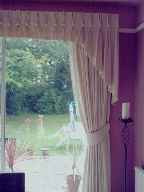 Ideas For Curtain Pelmets Decor Curtain Ideas With Pelmets Decorate The House With Beautiful Curtains