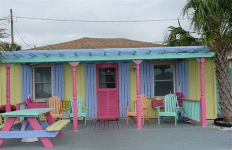 Adorable Tiki Cottage At Kure Beach Vrbo Houses For Rent In Kure Nc