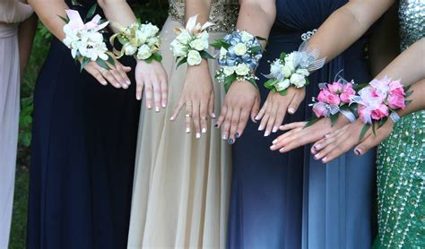 insanely prom fresh flower wearable - Prom Flowers