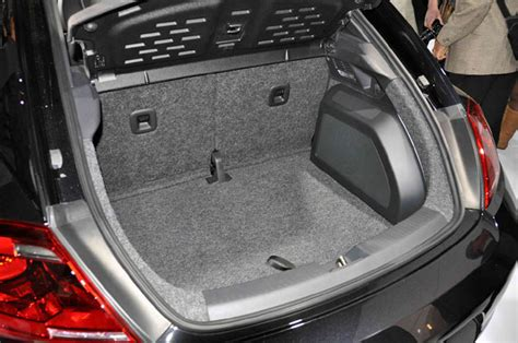 Beetle Sound Recording We Check Out Vw S New Fender Audio Systems Autoblog