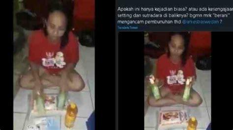 ibu ibu  kesal bantuan  ribu  dijanjikan