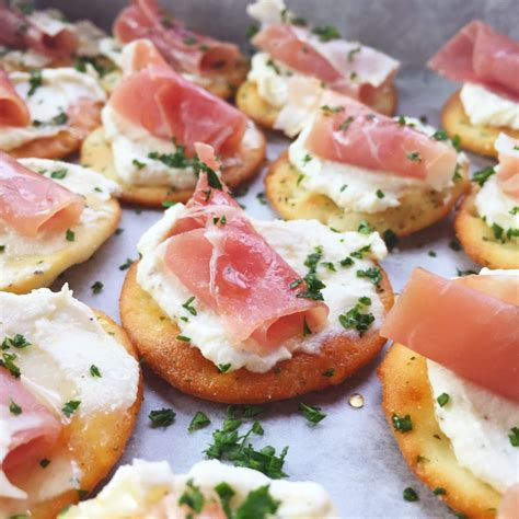 35 easy christmas appetizers you need to make this holiday