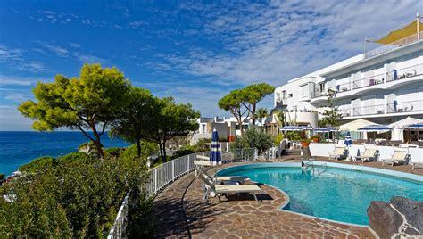 hotel a ischia con terme interne hotel a ischia con piscine termali esterne e interne