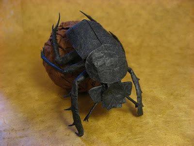 Origami Hercules Beetle - brevis oratio reflexiones para el hermano escarabajo