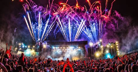 house music festivals uk best music festivals in 2017 glastonbury creamfields isle of wight and more who