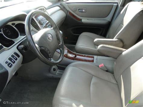 2004 Toyota Interior 2004 Toyota Highlander Limited V6 Interior Photo 38742572