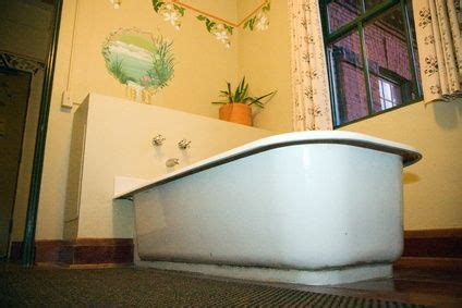 best way to clean an old bathtub 17 best images about rev old bathroom kitchen tiles on