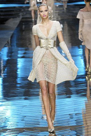 Show Report Haute Couture Ss 07 Valentino by Valentino Summer 2008 Couture Vogue Co Uk