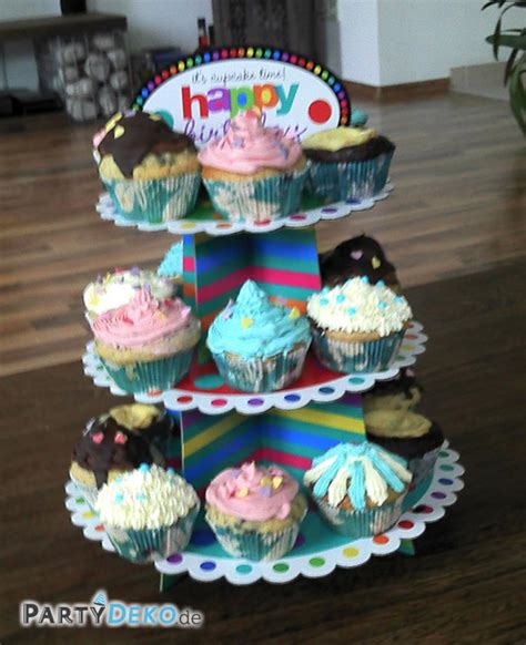 etagere cupcake bunt best 252 ckte cupcake etag 232 re zum geburtstag partyfotos