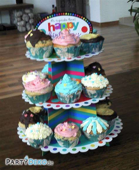 etagere cupcakes bunt best 252 ckte cupcake etag 232 re zum geburtstag partyfotos