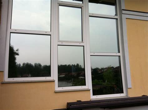 Folie Fenster Sichtschutz Tag Und Nacht by Spionspiegelfolie Tag U Nacht Sehen Ohne Gesehen Zu Werden