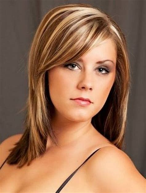 medium length hair style low lights light brown hair with blonde highlights medium length