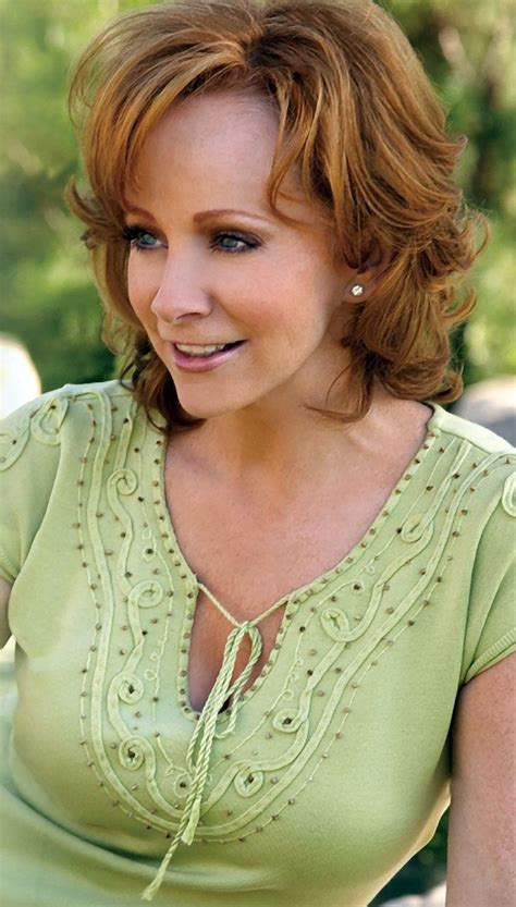 female country singer with recent hair cut 100 best images about reba mcentire s fashion style