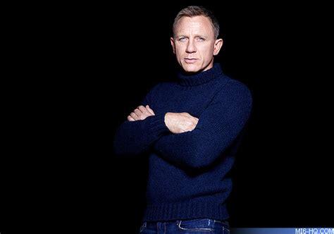 Daniel Sweter busy for bond daniel craig will opposite former bond halle berry in la based