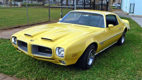 pontiac forebird yellow gold 1970 pontiac firebird formula 400