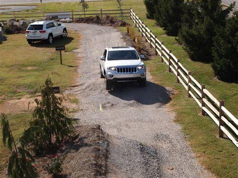 Louisville Jeep Dealers Louisville S Only Jeep Test Track Cross Chrysler Jeep Fiat