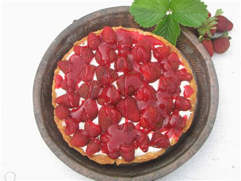 Baking Pastry Blind Without Beans Blending Flavours Strawberry Amp Hung Curd Tart