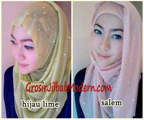 Segi Empat Polos Katun Hijau Kerudung Hijabeauty Umama pashmina instan syahira hijau lime dan salem grosir jilbab modern jilbab cantik jilbab syari