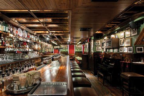 pub dekorieren ideen manhattan s dead rabbit is named the world s best bar