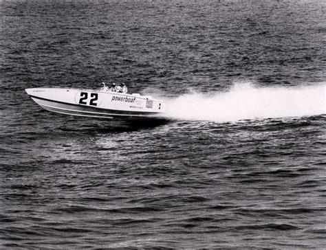 cigarette boat wreck cigarette 35 raceboats page 7