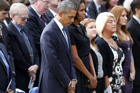 leads for yards obama leads mourning for navy yard victims cbs news