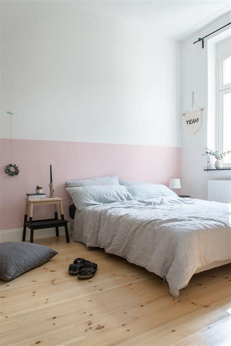 wand schlafzimmer eine rosa wand f 252 r das schlafzimmer neue bettw 228 sche aus