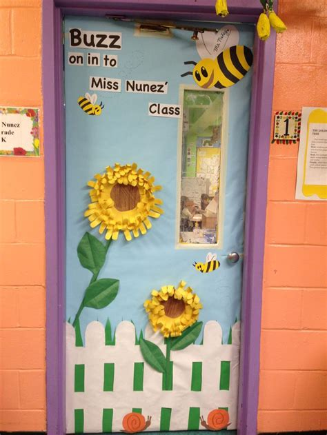 spring door decorations kindergarten spring classroom door room mom ideas