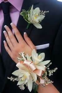 Corsages Near Me 1000 Ideas About Prom Corsage On Pinterest Wrist Corsage Prom Flowers And Boutonnieres